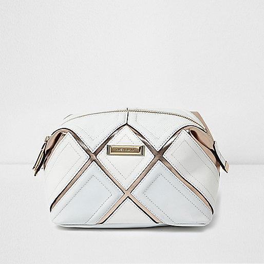 Make-up-Tasche in Weiß-Metallic