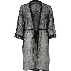 Schwarzer, verzierter Kimono