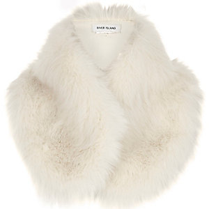 Cream faux fur tippet scarf