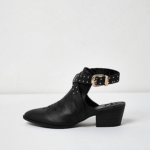 Bottines noires cloutées style western