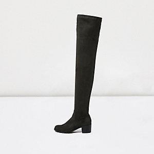 Overknee-Stiefel mit niedrigem Absatz in Khaki
