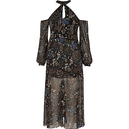 Robe longue à fleurs noire à épaules dénudées
