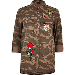 Brown camo badge shacket