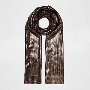 Black and gold metallic knit scarf