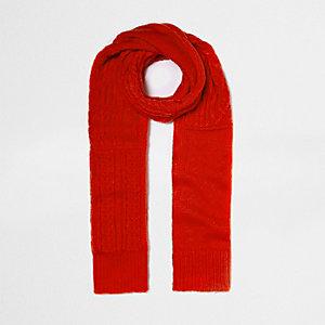 Écharpe en maille torsadée rouge vif