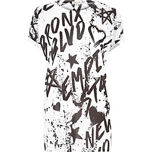 White graffiti print boyfriend T-shirt