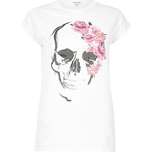 T-shirt boyfriend blanc imprimé fleurs et tête de mort