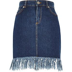 Medium blue frayed hem denim skirt
