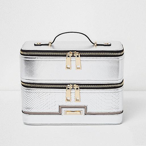 Silver metallic vanity case