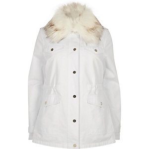 White faux fur collar parka