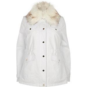 White faux fur collar parka