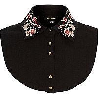 Col plastron en jean motif fleuri noir