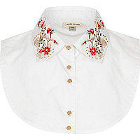 White floral bib collar