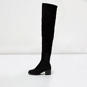Schwarze, weiche Overknee-Stiefel mit weiter Passform