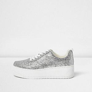 Silberne Plateau-Sneaker mit Glitzer