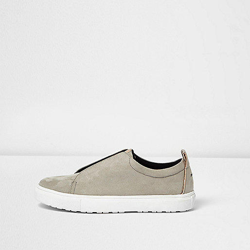 Grey wide fit slogan heel print plimsolls