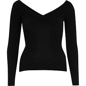 Black ribbed knit V-neck top