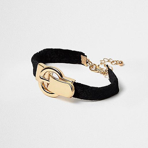 Black buckle bracelet
