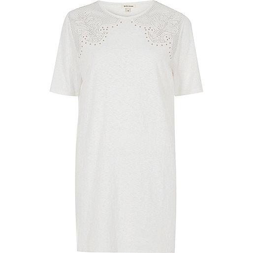 T-shirt oversize blanc avec tulle clouté style western