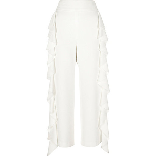 White frill lined cropped trousers