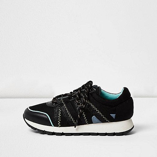 Black sports panel sneakers