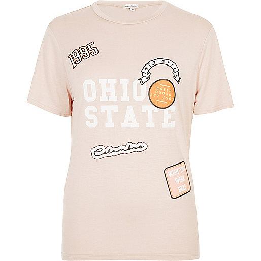 Coral badge print T-shirt