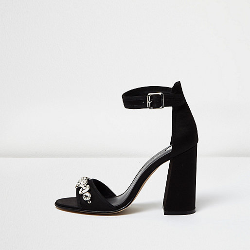 Schwarze, verzierte Sandalen mit Blockabsatz