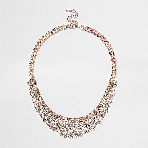Collier doré rose serti de strass