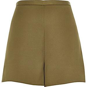 Khakifarbene elegante hochgeschnittene Shorts