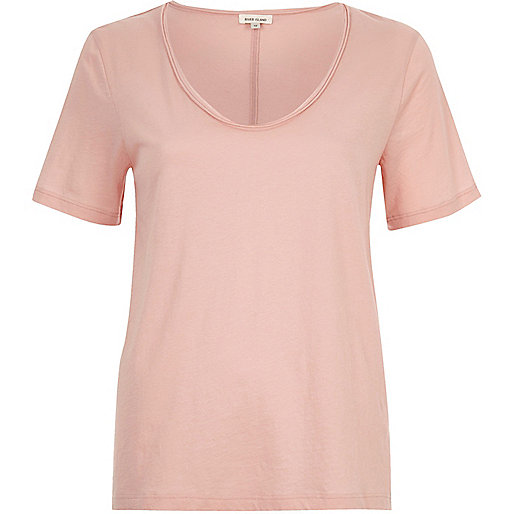 Pink scoop V-neck T-shirt