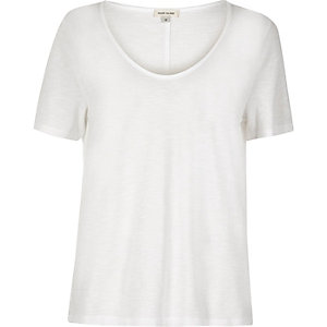 White scoop V-neck T-shirt