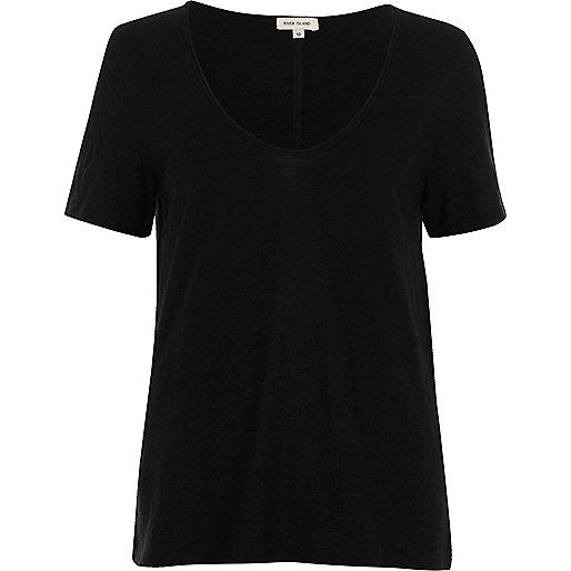 Black scoop V-neck T-shirt