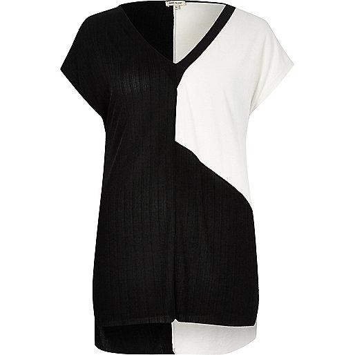 Black and white block T-shirt