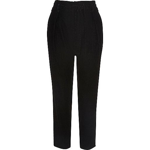 Pantalon fuselé en velours noir doux à cordon