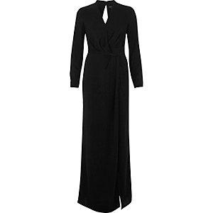 Robe longue fendue noire à décolleté plongeant