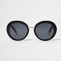 Black round smoke lens sunglasses