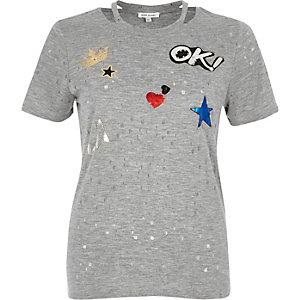 T-shirt gris à écusson