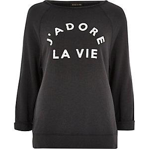 """Pullover mit """"J'adore La Vie"""" in schwarzer Waschung"""