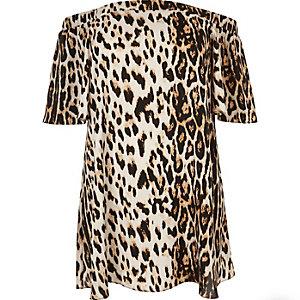RI Plus – Braunes Bardot-Kleid mit Leoprint