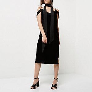 Robe noire en velours à épaules dénudées - Petite