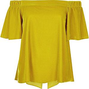 Top en velours jaune foncé style bardot