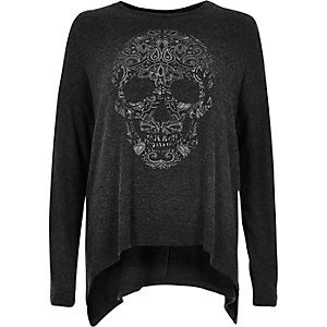 Grey skull print hanky hem top