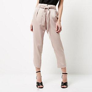 Pantalon fuselé Petite rose avec ceinture à nouer