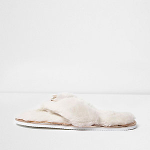 Cream faux fur bow flip flop slippers