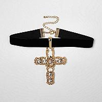 Collier ras du cou doré avec croix ornée