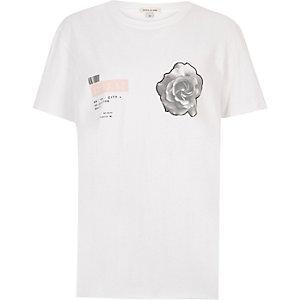 Weißes T-Shirt mit Rosenmuster