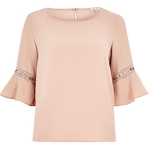 Light pink chain trumpet sleeve top
