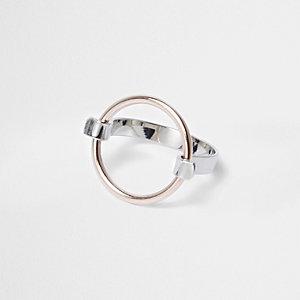 Silver tone circle detail ring