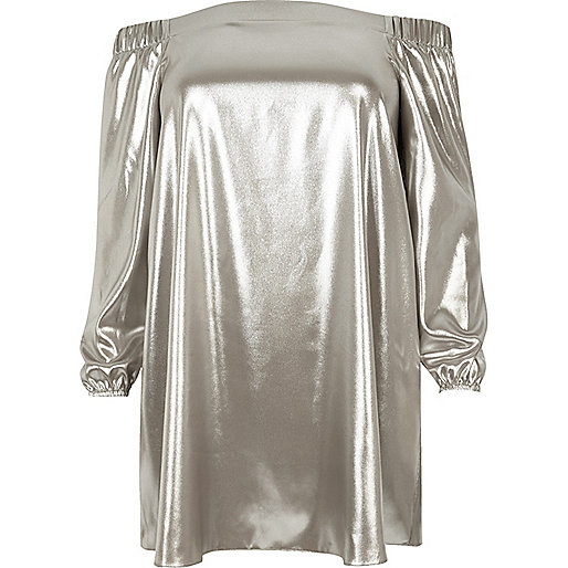 Robe évasée Plus métallisée argentée à encolure bardot