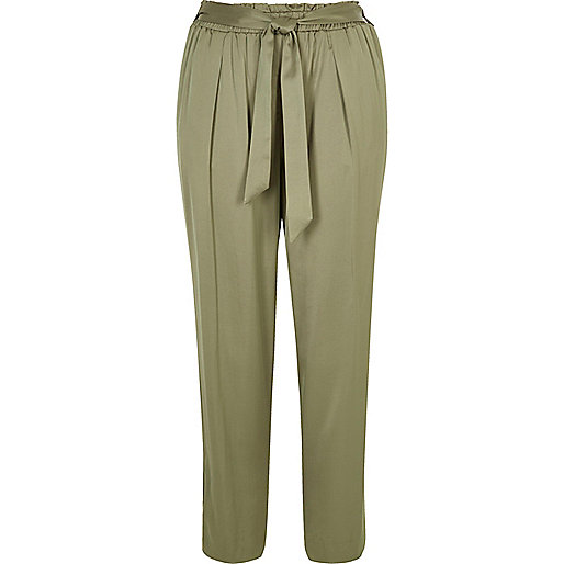 Light green soft tie tapered trousers